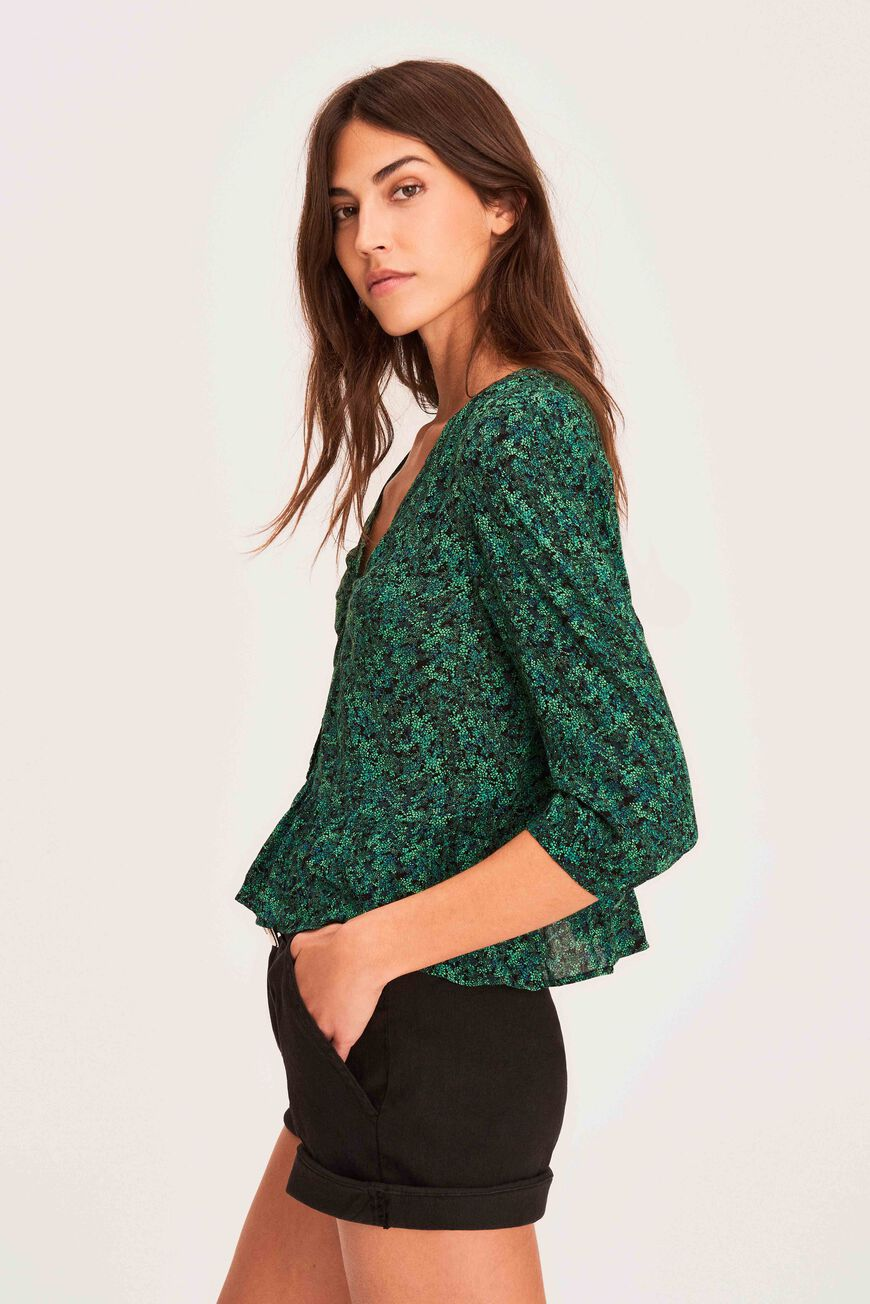 TOP NELLY TOPS & CHEMISES